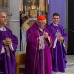 Der Erzbischof als Hauptzelebrant mit den beiden Konzelebranten Pfarrprovisor Kranicki und Pfarrer Mag. Eugen Länger (© Herr Mag. Bernhard Wagner).