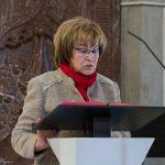 Frau Maria Melcher liest die erste Lesung (© Herr Mag. Bernhard Wagner).
