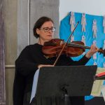 Spiel auf der Viola durch Frau Annemarie Haring (© Herr Mag. Bernhard Wagner).
