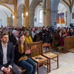 Blick in die Kirche zu den zahlreichen Versammelten (© Herr Mag. Bernhard Wagner).