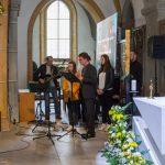 Daraufhin singt er gemeinsam ... (© Herr Mag. Bernhard Wagner)
