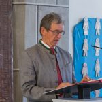 Herr Dr. Alfred Kienleitner singt die Psalmen ... (© Herr Mag. Bernhard Wagner)