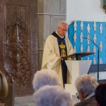 Herr Hohenberger während der Predigt ... (© Herr Mag. Bernhard Wagner).
